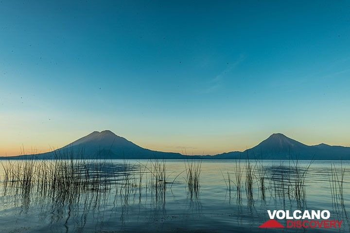 Morning view from the shore of Lake Atitlán with Atitlán/Toliman and San Pedro volcanoes on the opposite side. (Photo: Tom Pfeiffer)