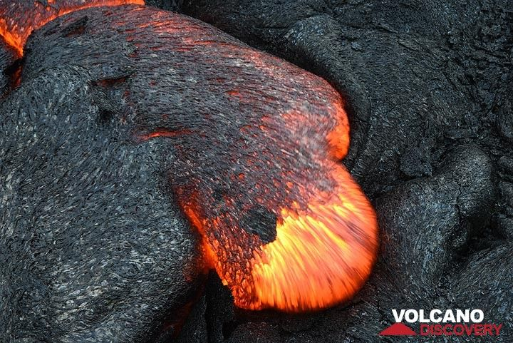 Moving lava toe (Photo: Tom Pfeiffer)
