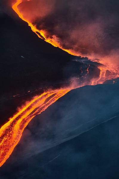 Etna, 15 May 2015 - Lava emission from a eruptive fissure lying low on the northeast side of the NSEC (Photo: Giuseppe Graziano Barone)