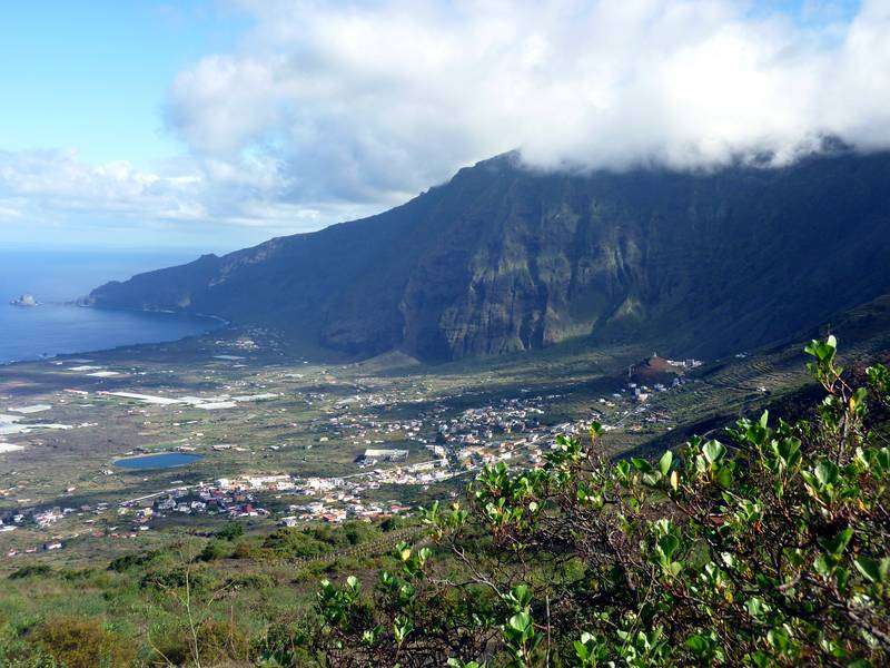 El Golfo valley, El Hierro, Canary islands (Photo: Janka)