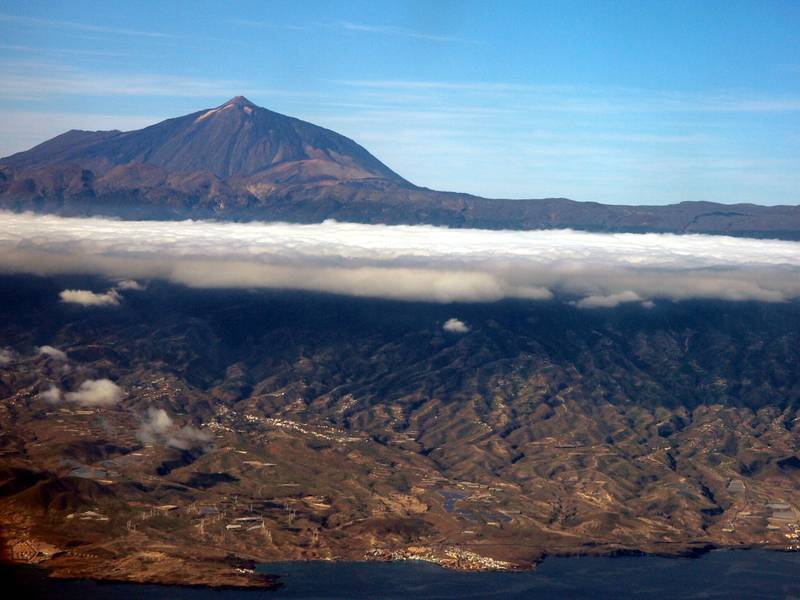 El Teide volcano seen from aircraft shortly after takeoff from Tenerife, Canary islands (Photo: Janka)