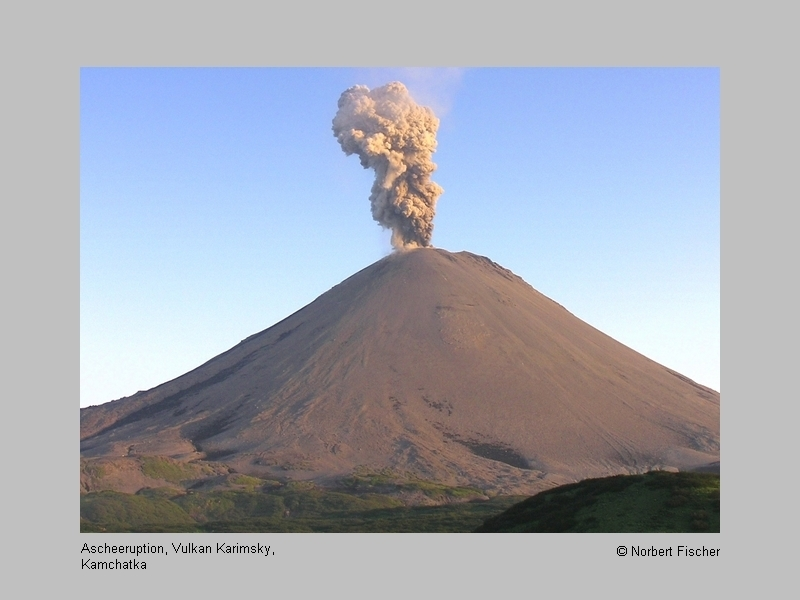 Karymsky volcano (Kamchatka) with an ash eruption (Photo: Norbert Fischer)