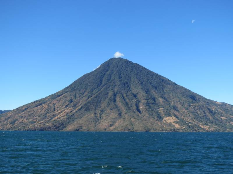 Volcano San Pedro, southwest view from Atitlan Caldera Lake, Guatemala (Photo: WNomad)