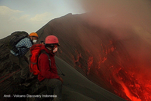 Andi and Remy at the crater rim of Dukono volcano. (Photo: Andi / VolcanoDiscovery Indonesia)