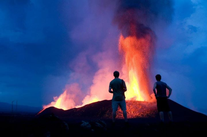 Lava fountains from Nyamuragira volcano (DR Congo) in Nov 2011 (Photo: Gian Schachenmann)