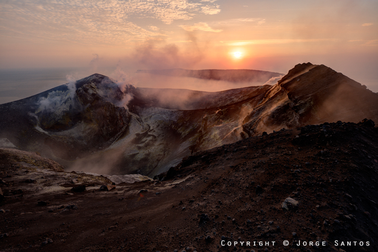 Anak Krakatau-View from the crater rim at sunset (Photo: jorge)