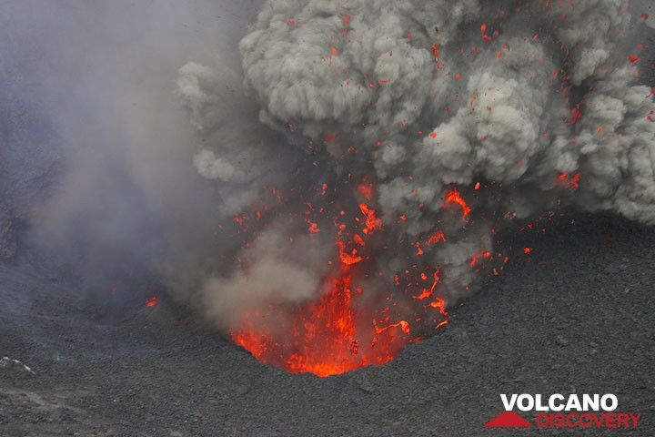 Spatter ejected from an eruption of Yasur volcano (Photo: Yashmin Chebli)